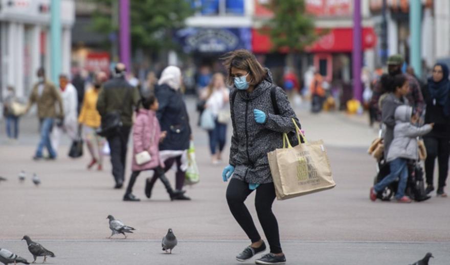 Κορωνοϊός - Βρετανία: Αριθμός ρεκόρ νέων κρουσμάτων