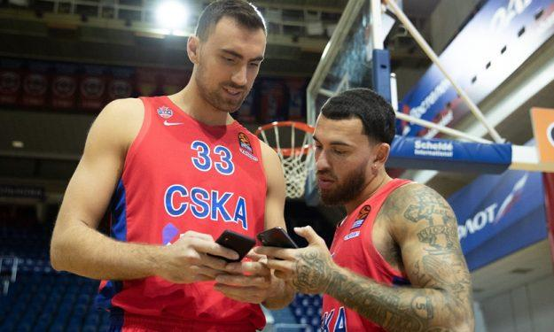 ΤΣΣΚΑ: Πήγε να δει αγώνα χόκεϊ ο Μιλουτίνοφ (video)