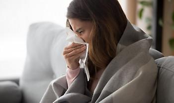 Γρίπη και κορωνοϊός: Πώς ξεχωρίζουμε τα συμπτώματα - Ομοιότητες και διαφορές