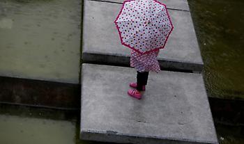 Έκτακτο δελτίο της ΕΜΥ για επιδείνωση του καιρού: Πού θα ρίξει καταιγίδες και χαλάζι
