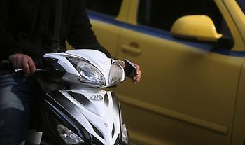 Οι οδηγοί αυτοκινήτου μπορούν πλέον να οδηγούν μοτοσικλέτες μέχρι 125 κ.εκ. με το ίδιο δίπλωμα