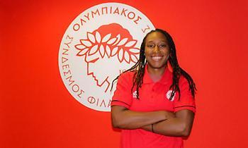 Nτέιβις: «Ενθουσιασμένη που έγινα μέλος ενός τόσο ιστορικού συλλόγου όπως ο Ολυμπιακός»