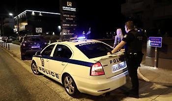 Δύο αστυνομικοί τραυματίστηκαν από επίθεση στο Μενίδι - 4 συλλήψεις