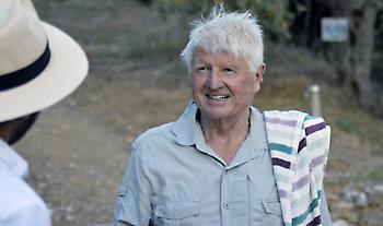 Στην Αθήνα ο πατέρας του Μπόρις Τζόνσον - «Κατσάδα» για τη μάσκα του