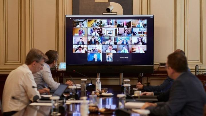Συνεδρίαση του Υπουργικού Συμβουλίου υπό τον Κυρ. Μητσοτάκη, μέσω τηλεδιάσκεψης