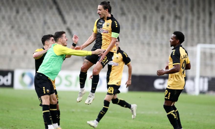 Το γκολ του Σιμόες στο ΑΕΚ-Βόλφσμπουργκ
