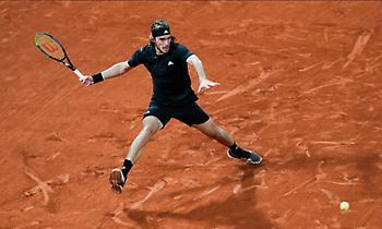 Στους τελικούς της ATP o Τσιτσιπάς