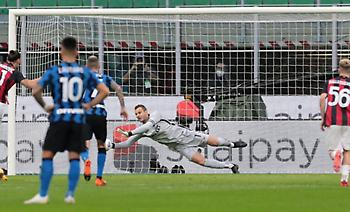 Serie A: Ρεκόρ αποκρούσεων πέναλτι ο Χαντάνοβιτς