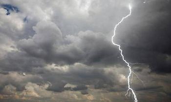Καιρός: Καταιγίδες και χαλάζι – Σε ποιες περιοχές θα «χτυπήσει»