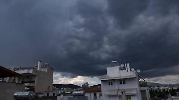 Καιρός: τοπικές βροχές, καταιγίδες και βοριάδες
