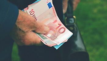 Αναδρομικά: Ξεκινούν οι πληρωμές- Ποιοι συνταξιούχοι και πότε θα τα λάβουν
