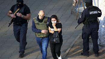 Γεωργία: Ένοπλος κρατά τουλάχιστον 17 ομήρους σε τράπεζα
