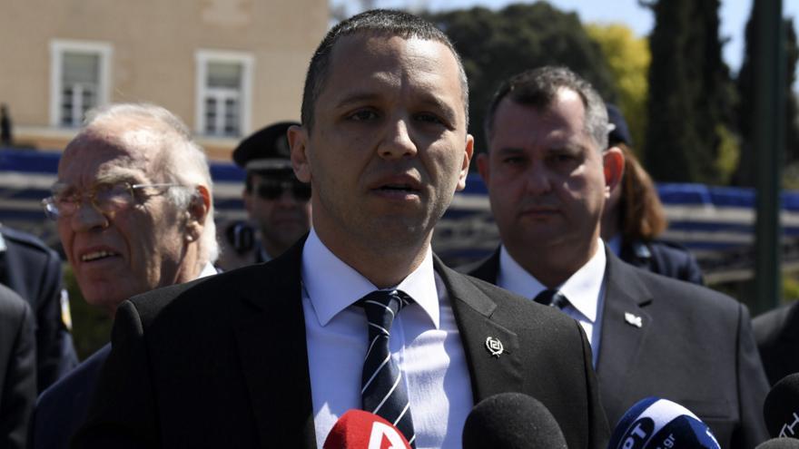 Παραδόθηκε ο Ηλίας Κασιδιάρης στις Αρχές