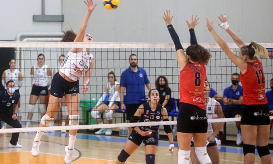Εύκολα ο Πανναξιακός, ζόρικη νίκη για ΑΟ Θήρας στη Volley League