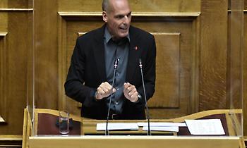 Πρόταση δυσπιστίας - Βαρουφάκης: Συνέργεια ΝΔ και ΣΥΡΙΖΑ, το ΜέΡΑ 25 αποχωρεί από τη διαδικασία