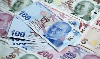 Τουρκία: Η λίρα υποχώρησε στο ιστορικό χαμηλό επίπεδο των 8 λιρών ανά δολάριο