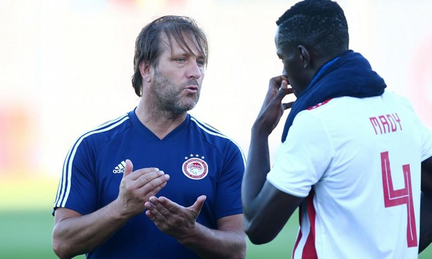 Το αίσχος της FIFA και το «άστρο» του Μαρτίνς!