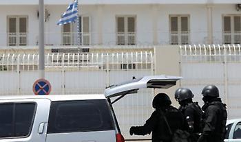 Σουβλιά και φαλτσέτες μεταξύ των ευρημάτων έρευνας σε φυλακές Κορυδαλλού