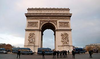 Συναγερμός στο Παρίσι: Απειλή για βόμβα στην Αψίδα του Θριάμβου