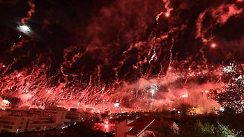 Απίθανο show με βεγγαλικά από οπαδούς στην Κροατία (video)