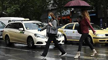 Καιρός: Σταδιακή βελτίωση - Πού θα συνεχιστούν οι βροχές