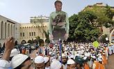 Μπαγκλαντές: Εξαγριωμένο πλήθος λιντσάρισε άνδρα κατηγορούμενο ότι βεβήλωσε το Κοράνι
