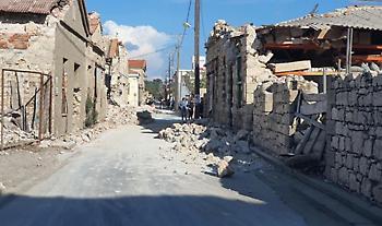 Σεισμός -Σάμος: Καταπλακώθηκαν δύο παιδιά από τοίχο - Επιχείρηση της ΕΜΑΚ