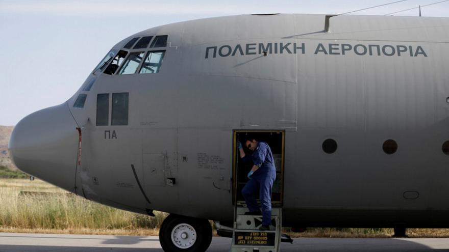 Σεισμός: C-130 στη Σάμο για τη μεταφορά 14χρονου πολυτραυματία