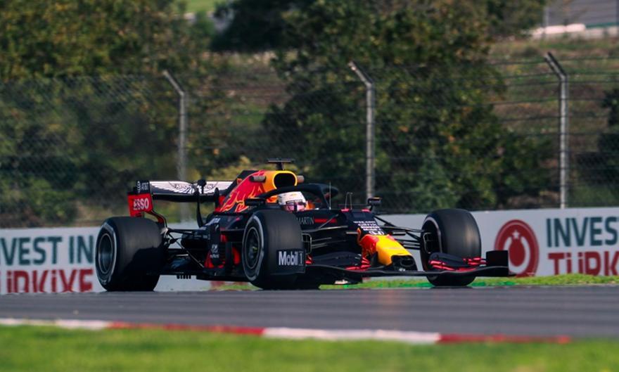 Ταχύτερος ο Φερστάπεν στην FP1 της Τουρκίας, χαμηλά οι Mercedes