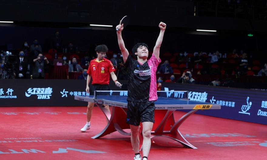 «Βόμβες» από τον Κορεάτη Γιανγκ στο ITTF Finals πινγκ πονγκ