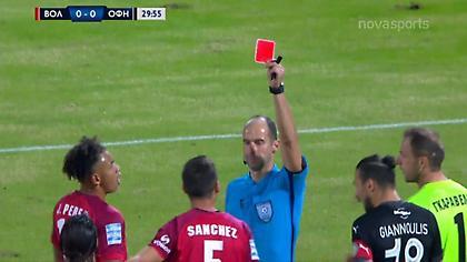 Η κόκκινη κάρτα στον Σάντσες (video)