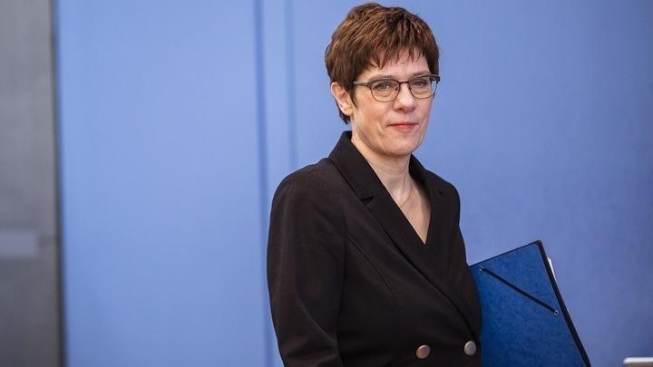 Κραμπ-Καρενμπάουερ: Η Βουλή δεν θα ενέκρινε ανάπτυξη στρατού