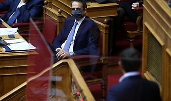 Με Γεραπετρίτη, Πολάκη και «3 επιστολές» η κόντρα Μητσοτάκη - Τσίπρα στη Βουλή