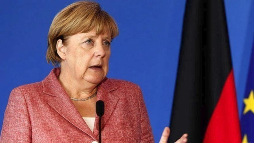 Μέρκελ: Θα πρέπει να ζούμε με περιορισμούς και στο ορατό μέλλον