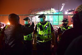 Επεισόδια και τραυματισμοί αστυνομικών μετά τον αποκλεισμό της Σέλτικ