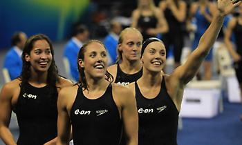 Παγκόσμιο ρεκόρ στα 4Χ50 γυναικών στην κολύμβηση