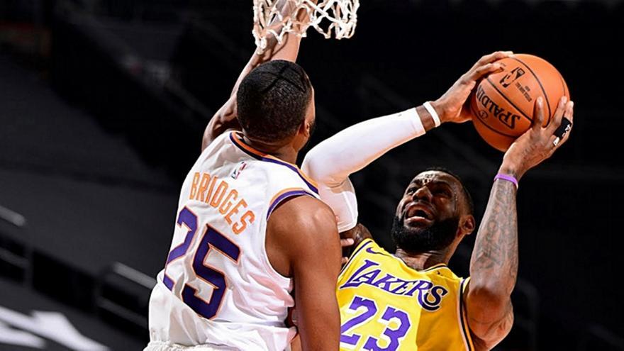 NBA: Άνετες νίκες για Λέικερς, Νάγκετς, Μπουλς και Νικς