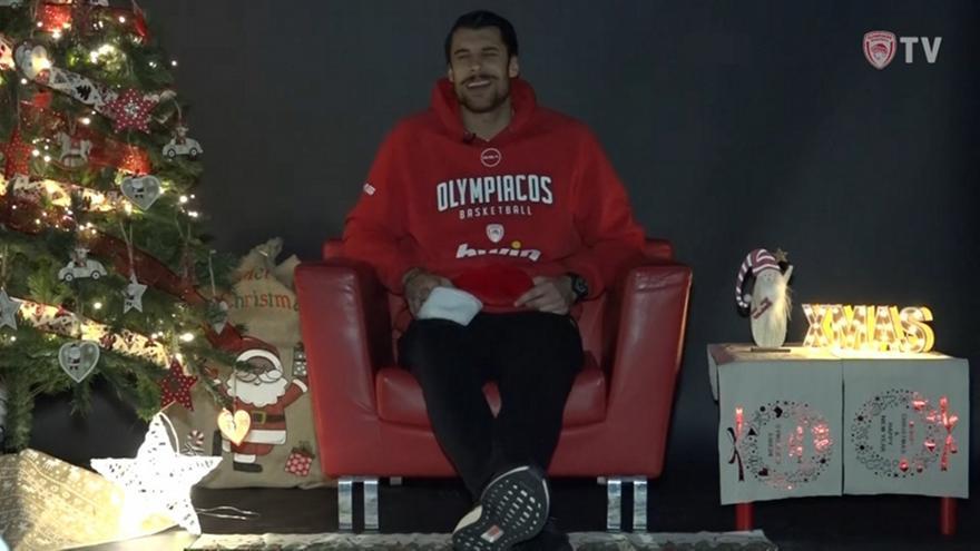 Ολυμπιακός: Χριστουγεννιάτικα τραγούδια από τους παίκτες