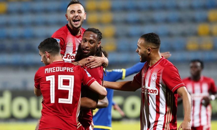 Super League 1: Στο +10 από τον ΠΑΟΚ ο Ολυμπιακός