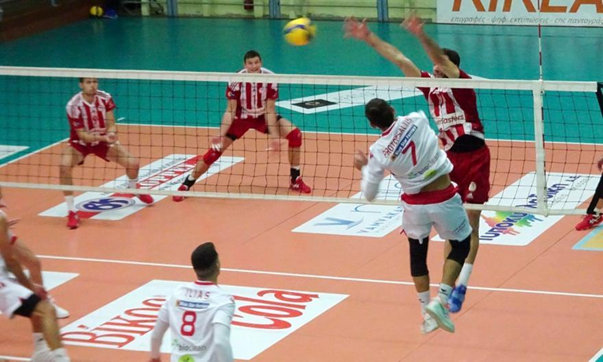 Φοίνικας Σύρου-Ολυμπιακός 3-2