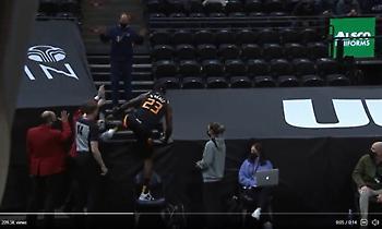 ΝΒΑ: Διαιτητές εμπόδισαν φίλαθλο να ακουμπήσει τη μπάλα (video)