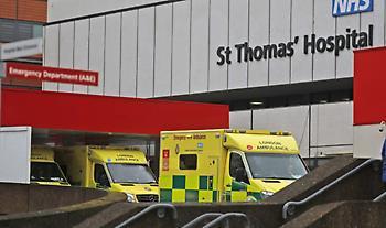 Κορωνοϊός- Βρετανία: 41.346 νέα κρούσματα, 1.295 νέοι θάνατoι