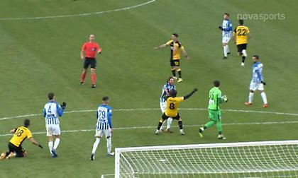 Το 1-0 της ΑΕΚ με πέναλτι μετά από... μπλακ άουτ του Σάλομον (video)
