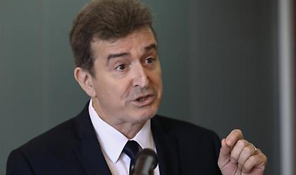 Χρυσοχοΐδης: Ισχυρή παρουσία της ΕΛΑΣ στην αγορά - Δικαίωμα συλλήψεων από φρουρούς στα ΑΕΙ