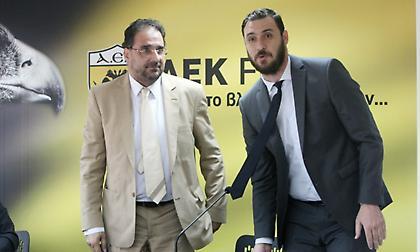 ΑΕΚ: «Κάρφωσε» τον Ολυμπιακό στην Επιτροπή Εφέσεων ο Αλεξίου