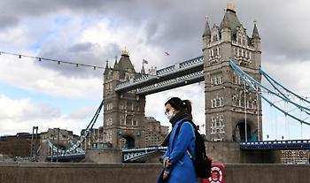 Ηνωμένο Βασίλειο: Νέο αρνητικό ρεκόρ θανάτων από κορωνοϊό