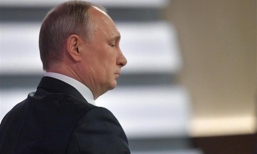 Πούτιν: Από πισίνες μέχρι και υπόγειο παγοδρόμιο έχει το... σπίτι του