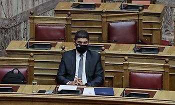Στο Υπουργικό Συμβούλιο νέο σχέδιο νόμου του Αυγενάκη για το ποδόσφαιρο