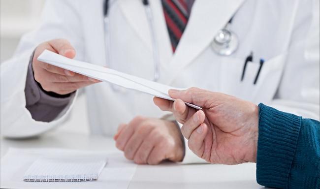 Για «φακελάκι» συνελήφθη 65χρονος γιατρός νοσοκομείου της Αττικής