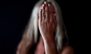 «Δεν είσαι μόνη»: Γυναίκες των Βαλκανίων σπάνε τη σιωπή και μιλούν για τη σεξουαλική βία